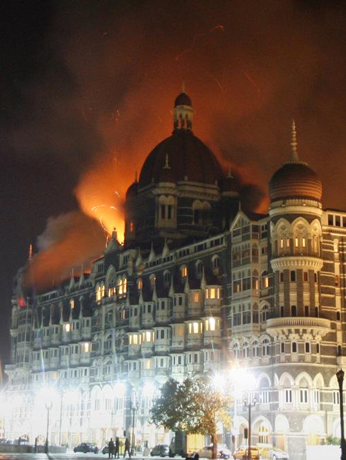 Taj Hotel in Mumbai burns